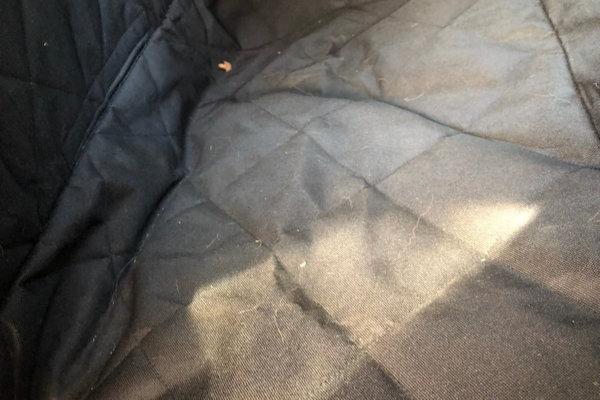 Floxik Autoschondecke für Hunde mit Seitenschutz für den Rücksitz_0644